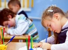 Дополнительные занятия в школе и вне школы: что лучше?